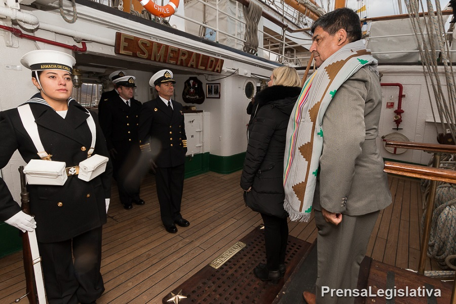 Autoridades fueguinas fueron recibidas en la fragata Esmeralda