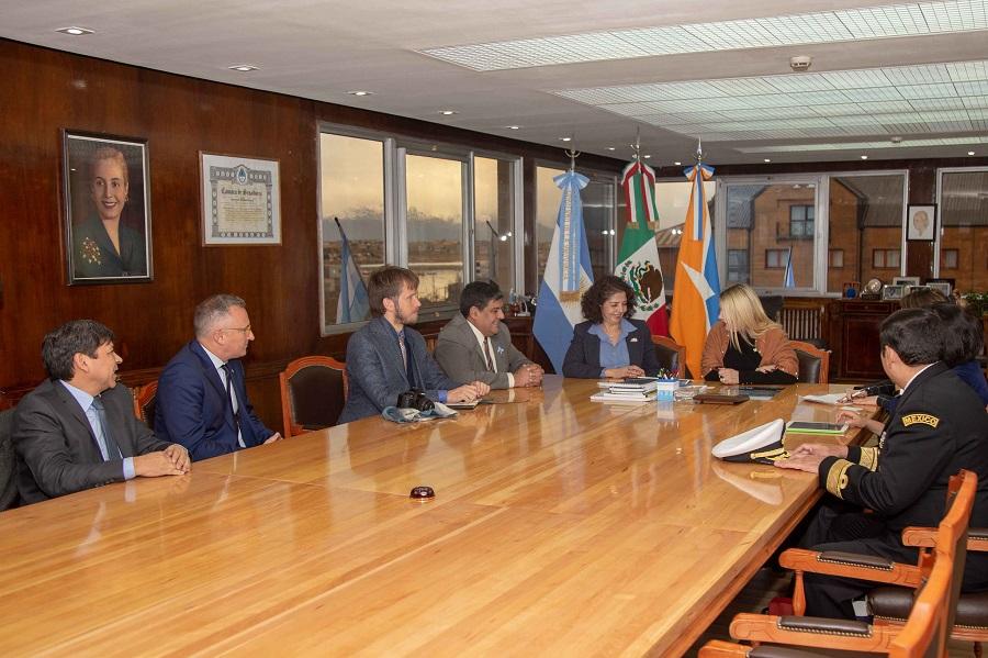 Gobierno se reunió con la embajadora de México para fortalecer lazos