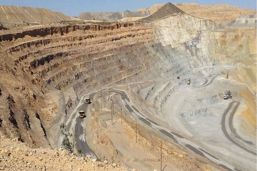 Presentarán un proyecto para entregar más de la mitad de Chubut a empresas mineras