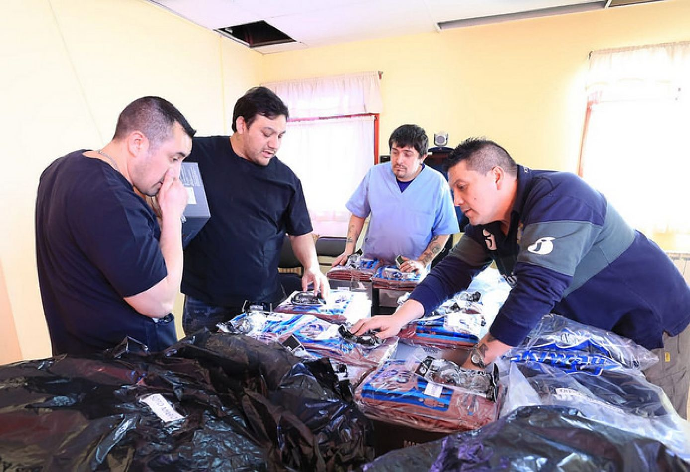 Gobierno provincial hizo entrega este jueves de elementos de seguridad e indumentaria para el personal del Hospital Regional Río Grande