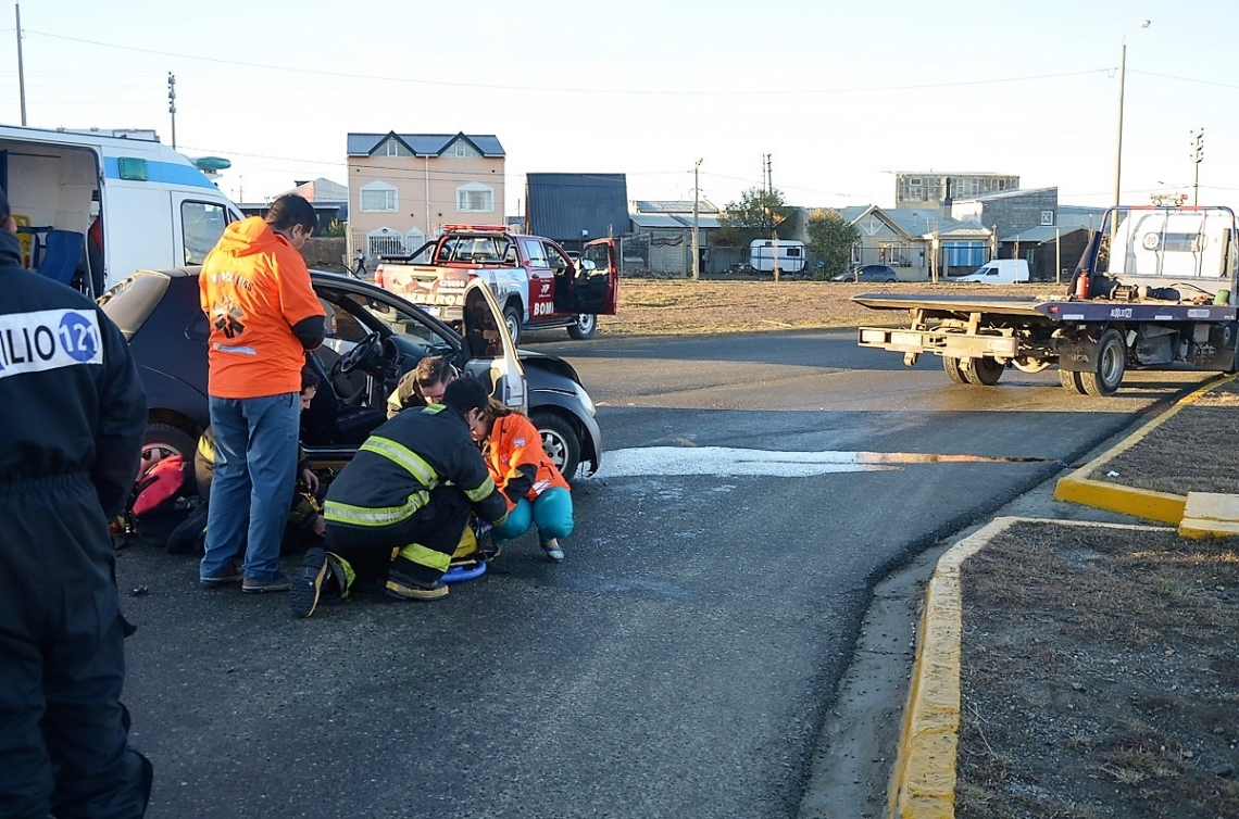 Se registró un accidente de tránsito en la rotonda de La Trucha