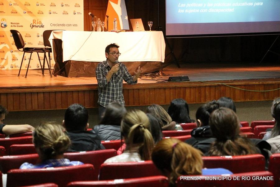"""Ushuaia: Se realizará el Primer Congreso Internacional """"Educación e Inclusión desde el Sur"""""""