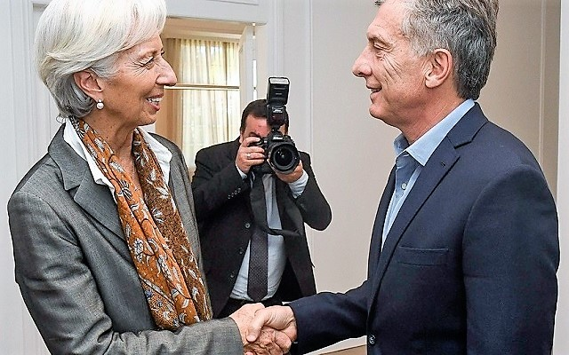 """Argentina le pedirá al FMI """"un piso de 30.000 millones de dólares"""""""