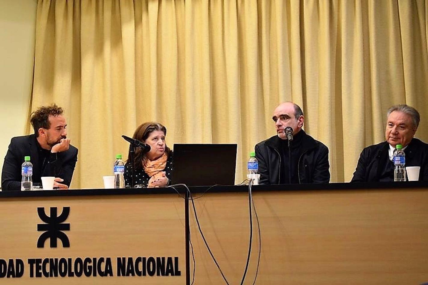Seleme y Ferreyra, disertaron en Córdoba.