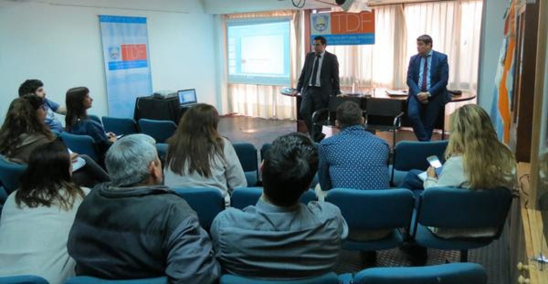 Se realizó una charla informativa para trabajadores de la provincia en Buenos Aires