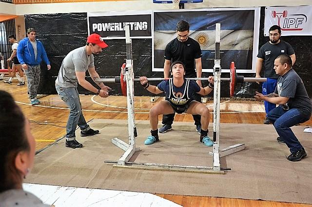 El Powerlifting se hizo presente en el Centro Deportivo Municipal