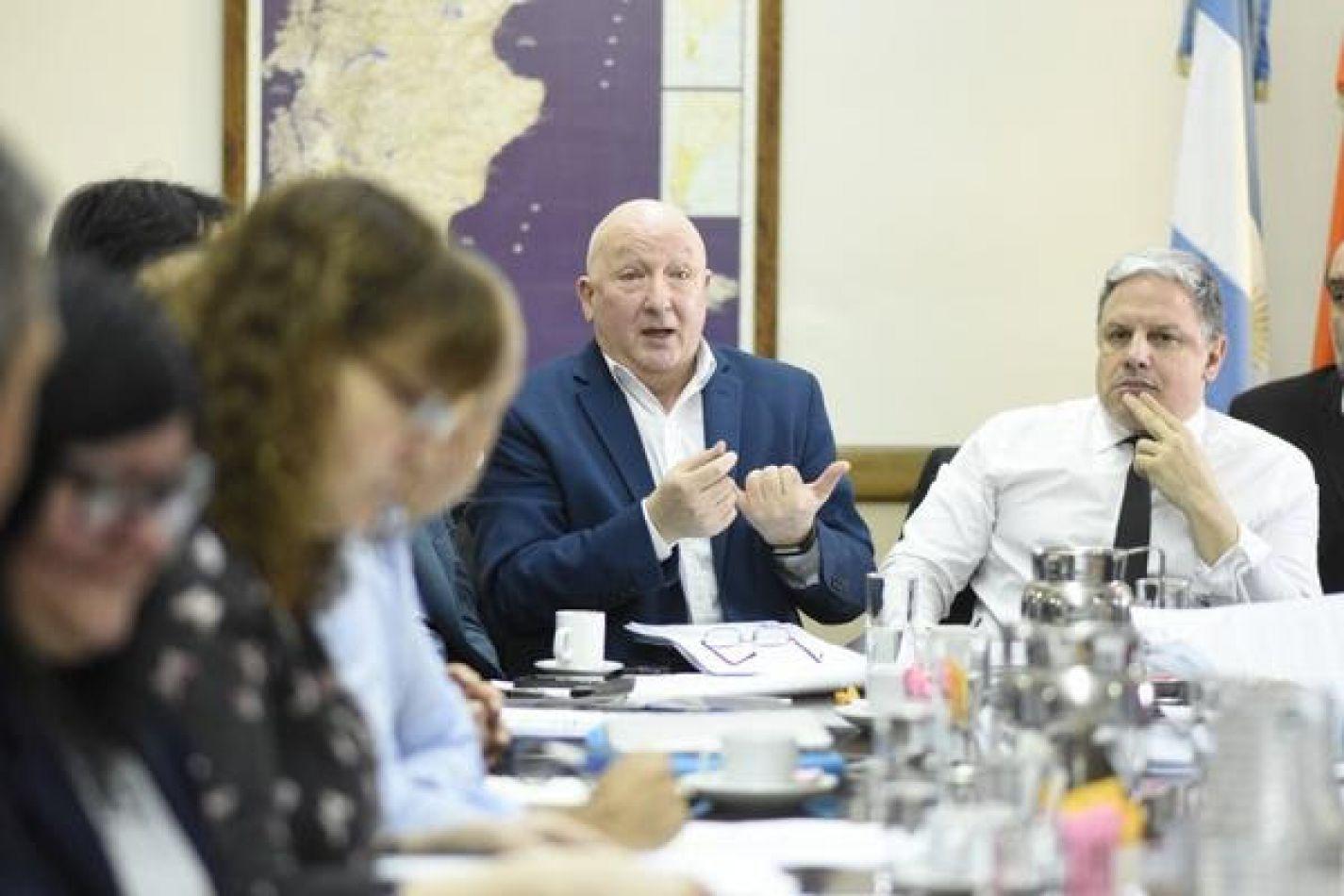 Gobierno presenta proyecto para activar la economía provincial