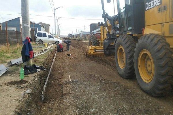 Se iniciaron los trabajos de pavimentación de nuevas calles en Chacra XI