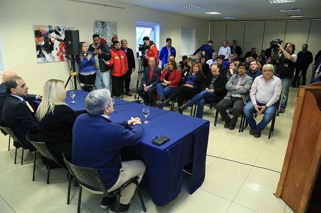 Se firmó el contrato para la construcción de la Red Provincial de Fibra Óptica