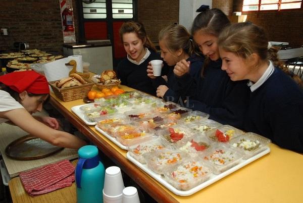 """Fruteá Tu Escuela: Lanzan campaña para """"llenar de frutas las escuelas"""""""