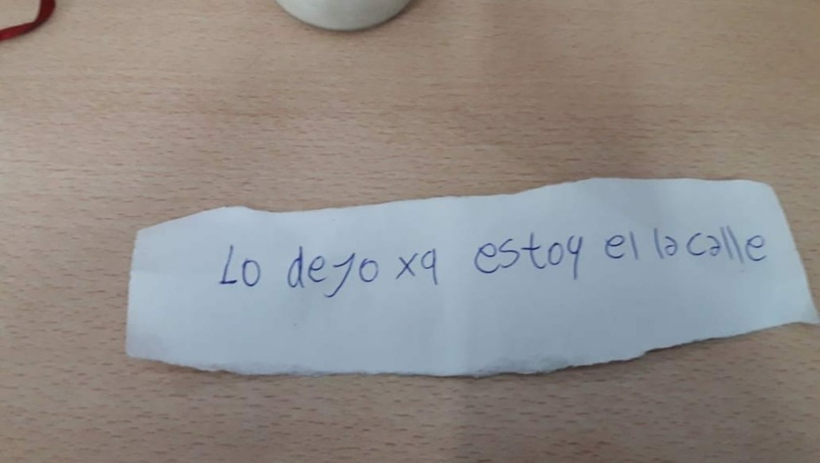 La Policía de la provincia de Buenos Aires encontró a un bebé de más de un año abandonado en la calle. Con el bebé estaba esta nota.