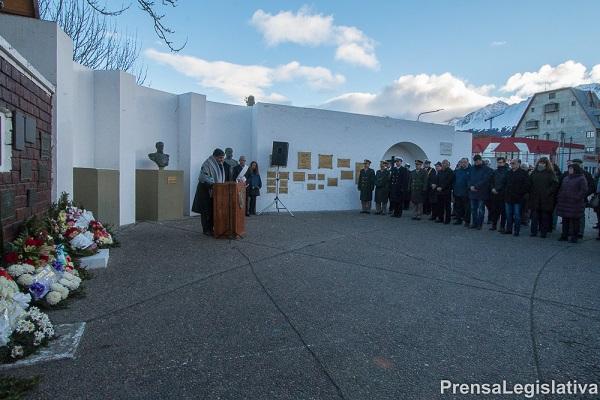 Homenaje a las víctimas de la tragedia del Lear Jet