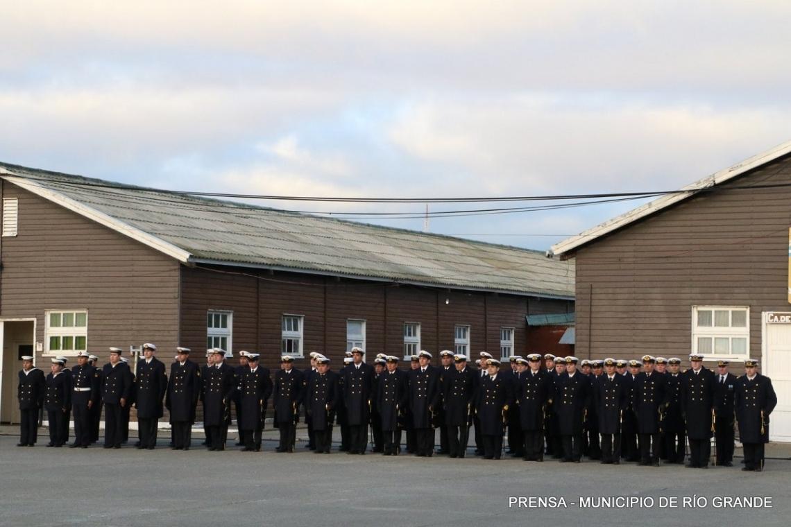 El municipio de Río Grande presente en el acto por el Día de la Armada