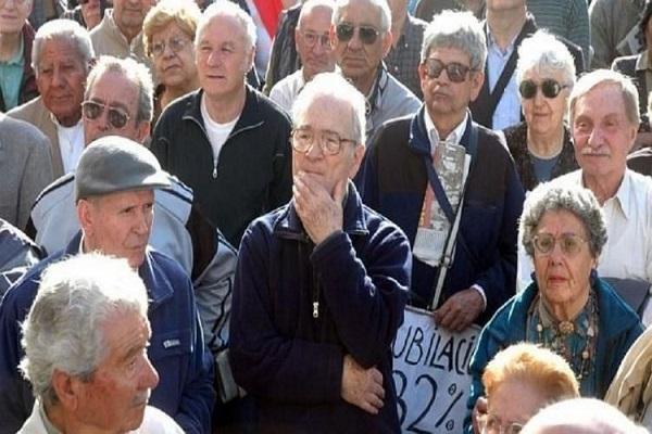 Gobierno oficializó aumento de 5,69% a los jubilados