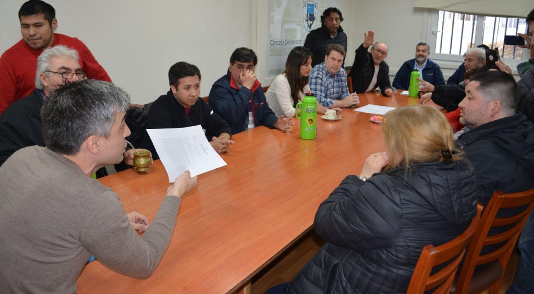 Concejales recibieron a remiseros de diferentes agencias de la ciudad