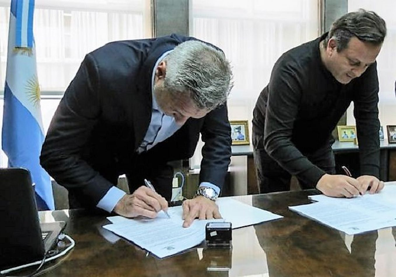 Firmaron convenio para control del transporte automotor