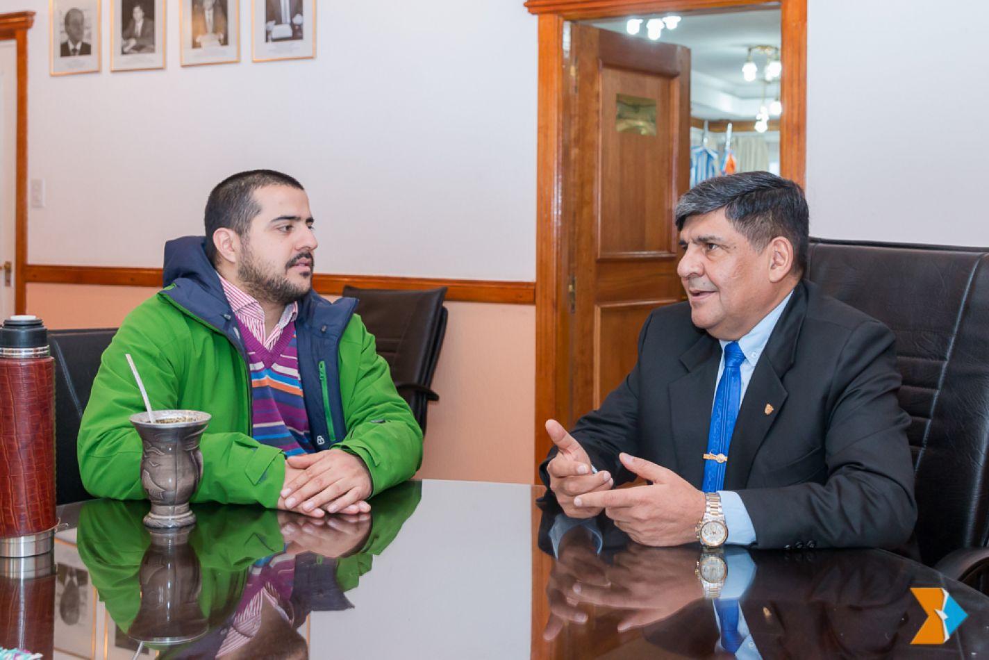 El docente Germán Crespo fue recibido por el vicegobernador Juan Carlos Arcando