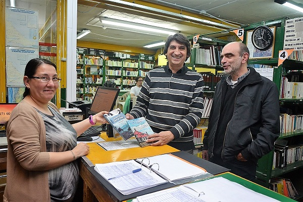 La UTN recibió libros que serán incorporados a la Biblioteca Leloir