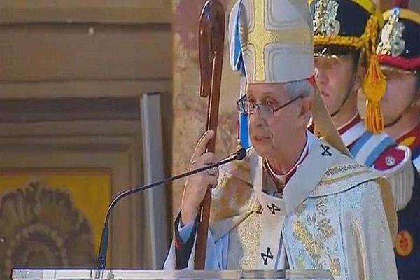"""Cardenal Poli: """"El primer rol del Estado es cuidar a los débiles, pobres y marginados"""""""