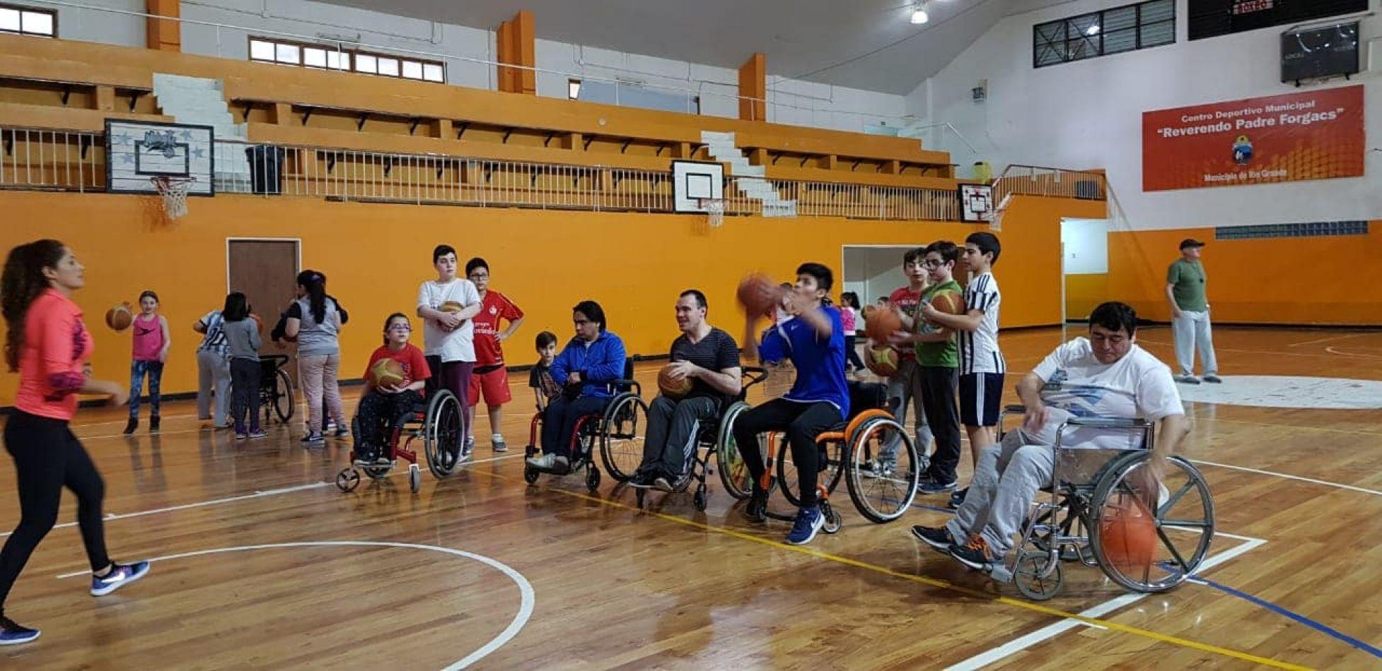Coordinación de Discapacidad y Deporte Adaptado sumó a sus propuestas las clases de Básquet Inclusivo 3x3 con sillas de ruedas