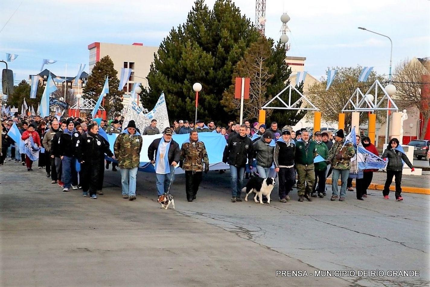 Invitan a un banderazo contra el acuerdo Foradori Duncan