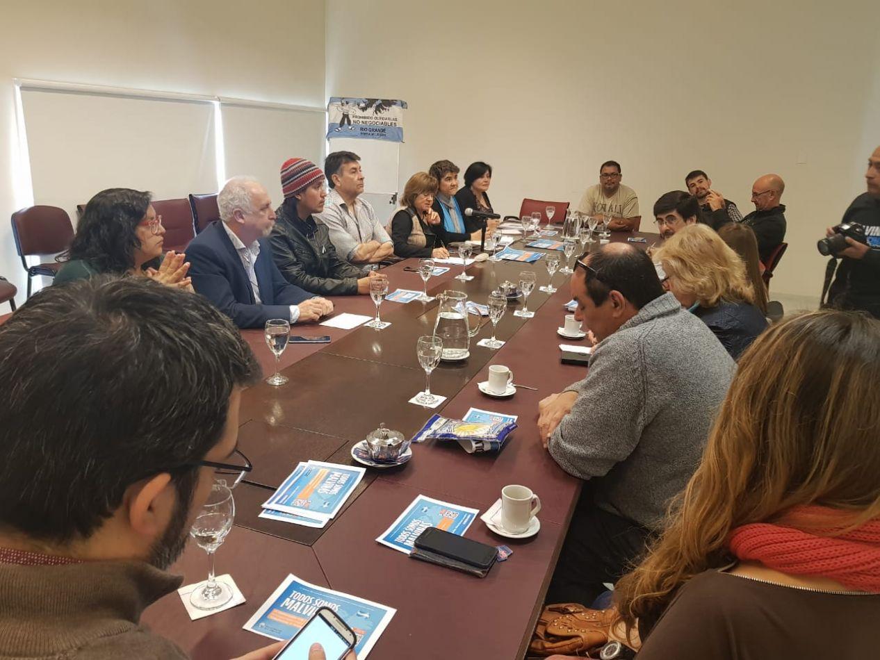 """Mora participa de la charla sobre """"Malvinas y la Soberanía Patagónica en Riesgo"""""""