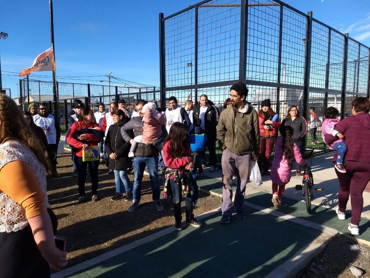 El municipio inauguró el nuvevo playón deportivo