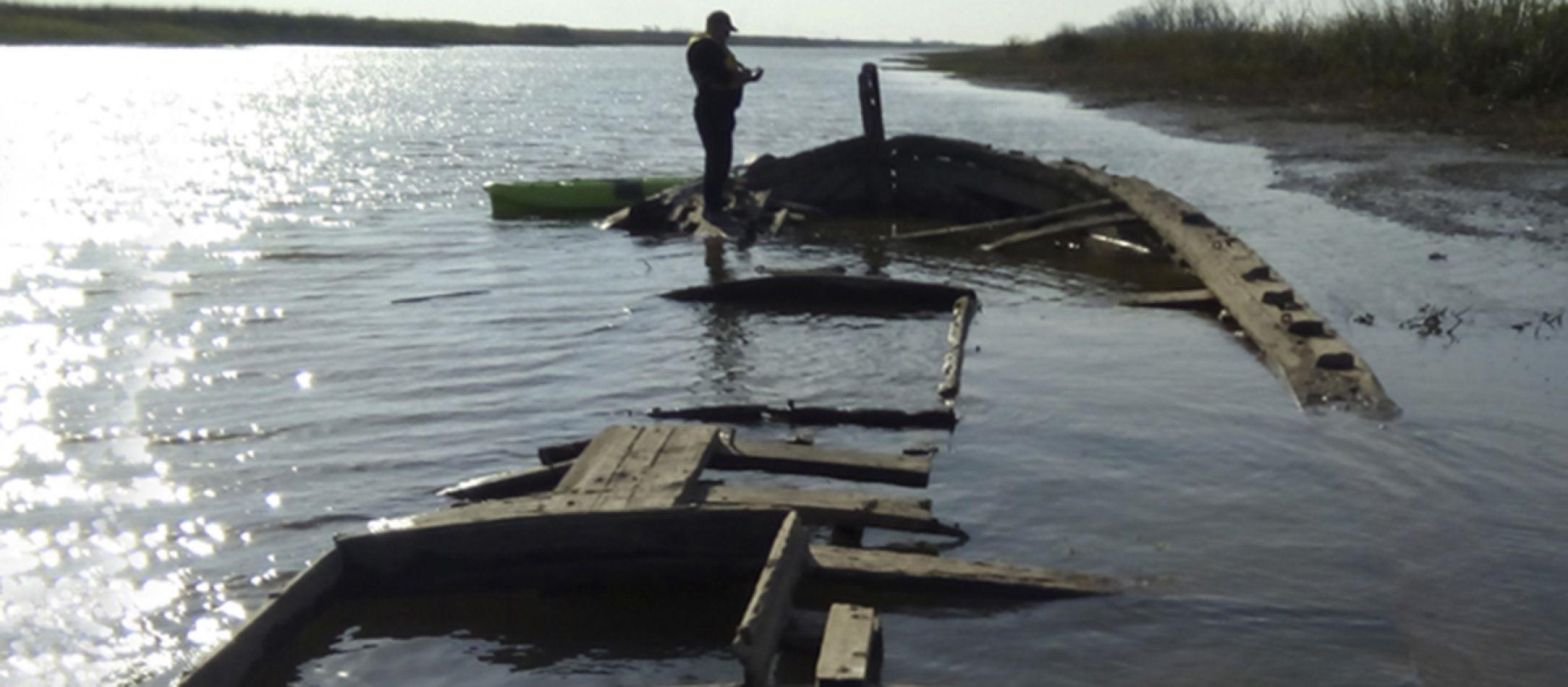 Un pescador halló en el río Paraná un buque hundido en 1921