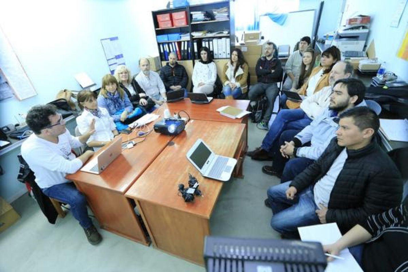 """Se presentó el Programa """"Tierra de Programadores"""" en Río Grande"""