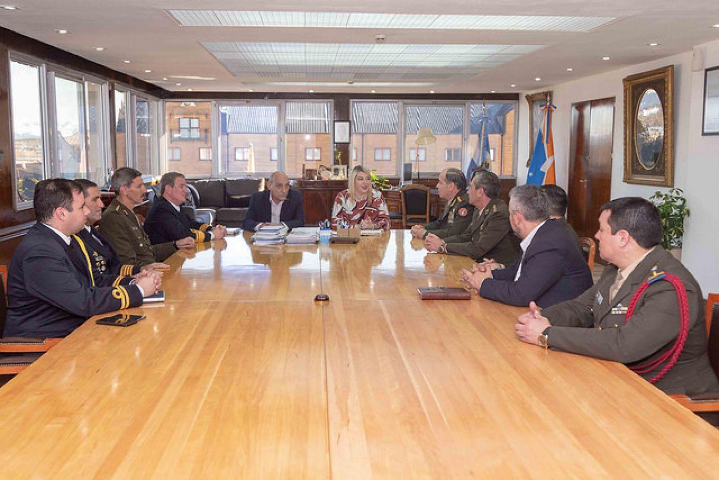 Gobierno recibió al Comando Conjunto Antártico