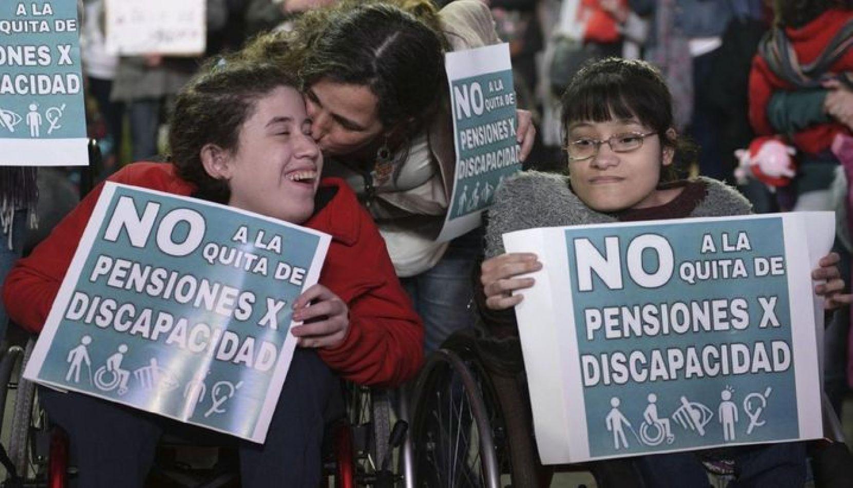 El Gobierno suspenderá pensiones por discapacidad