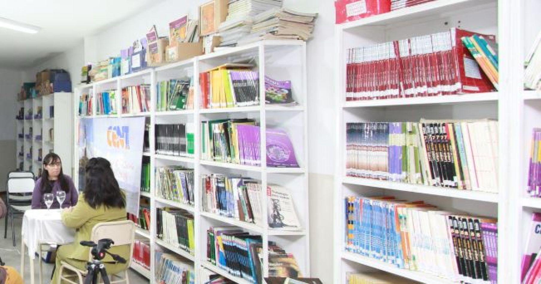 Biblioteca Lucinda Otero