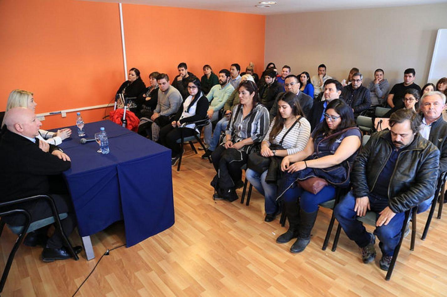 La gobernadora Rosana Bertone realizó una nueva entrega de subsidios por cancelaciones en concepto de final de obra