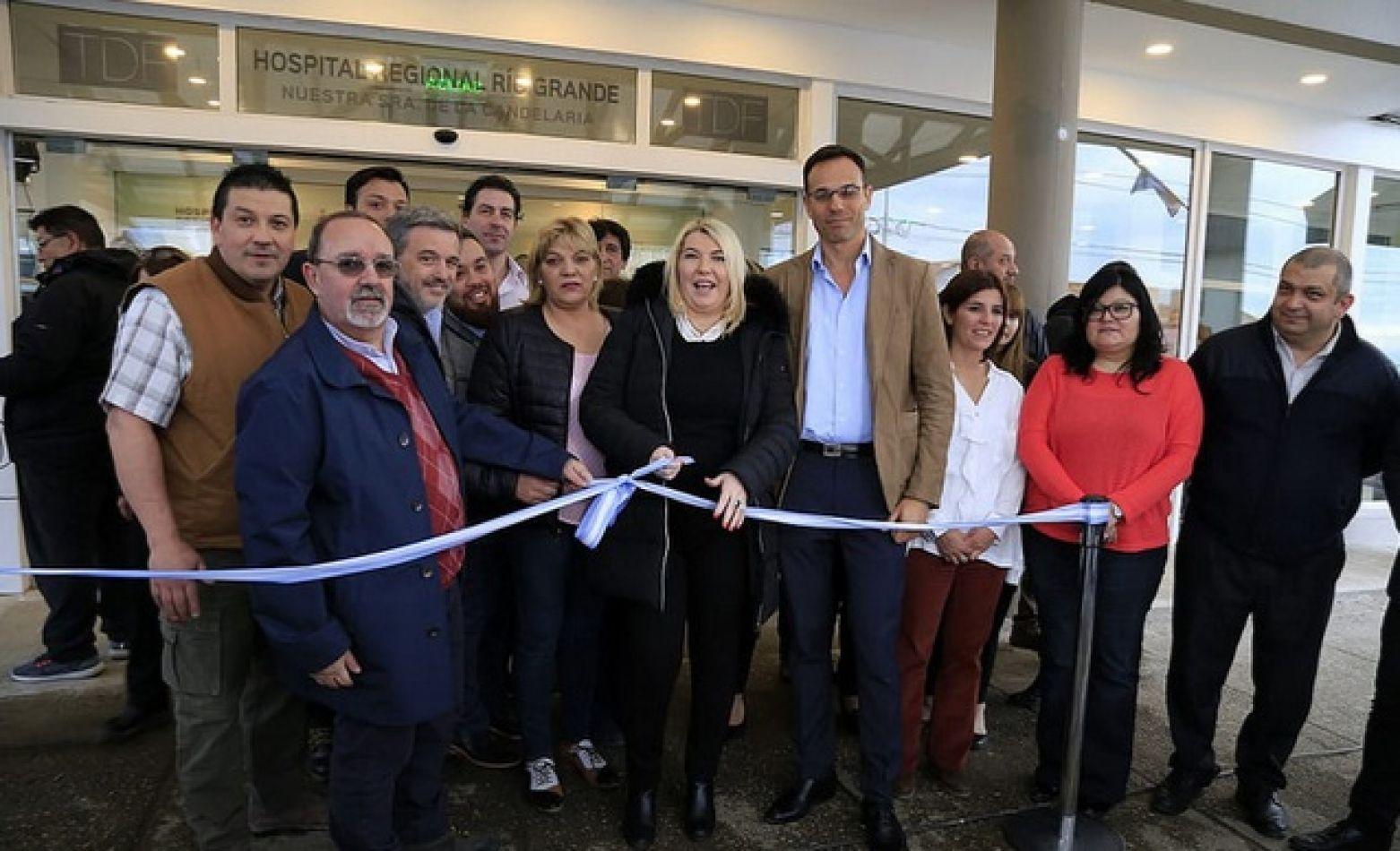 Se inauguró el nuevo ingreso y recepción del Hospital Regional de Río Grande