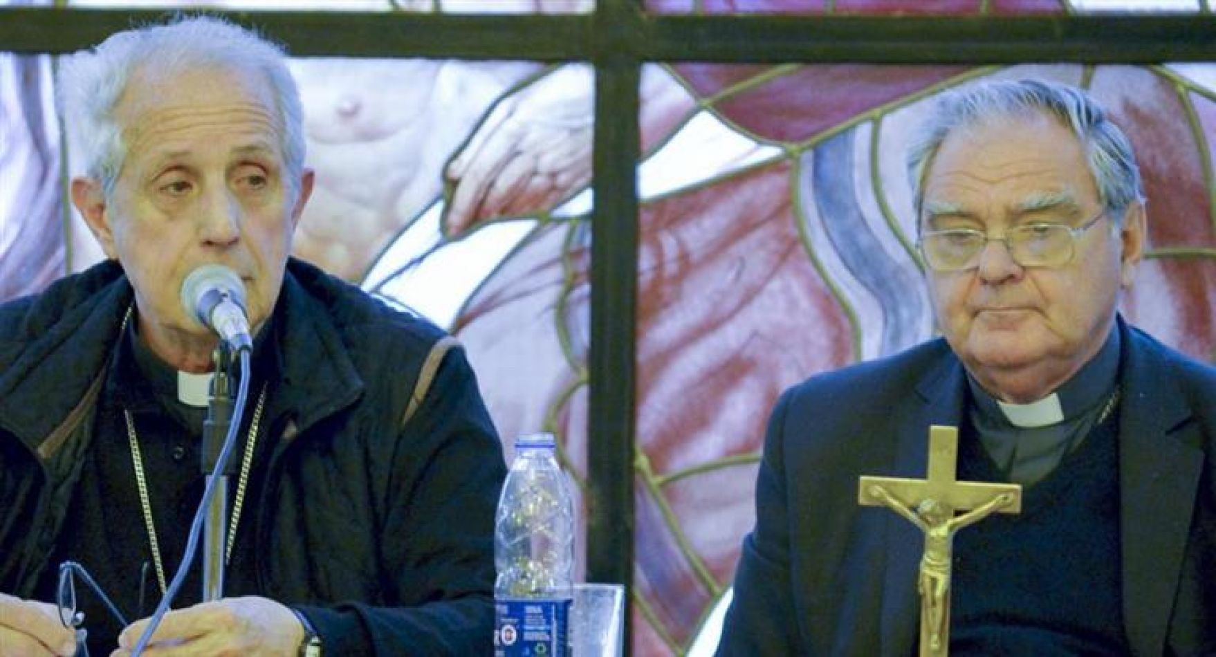 La Iglesia discute qué hará cuando los obispos dejen de recibir ayuda económica del Estado