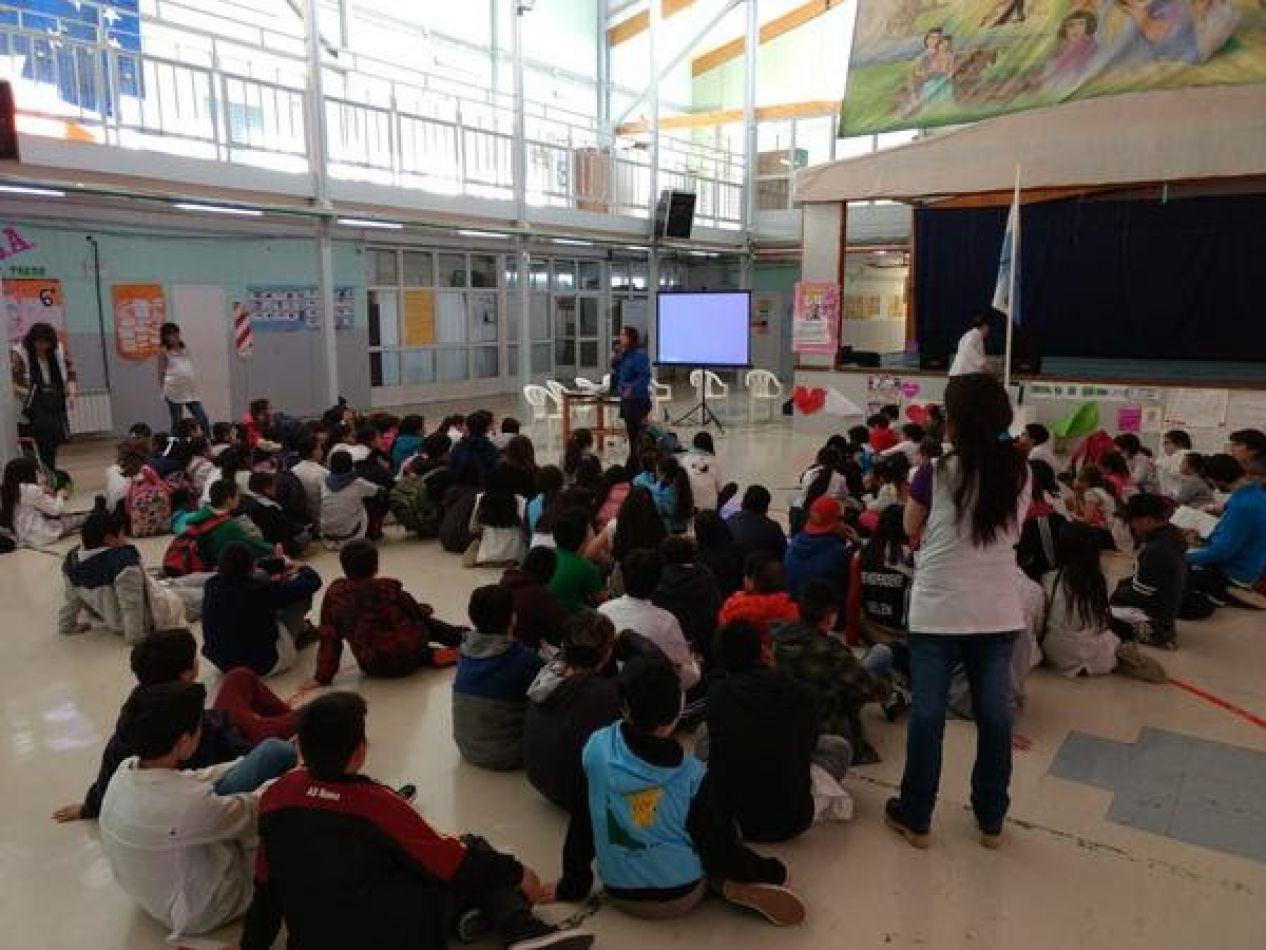 Diversas capacitaciones en escuelas de Río Grande