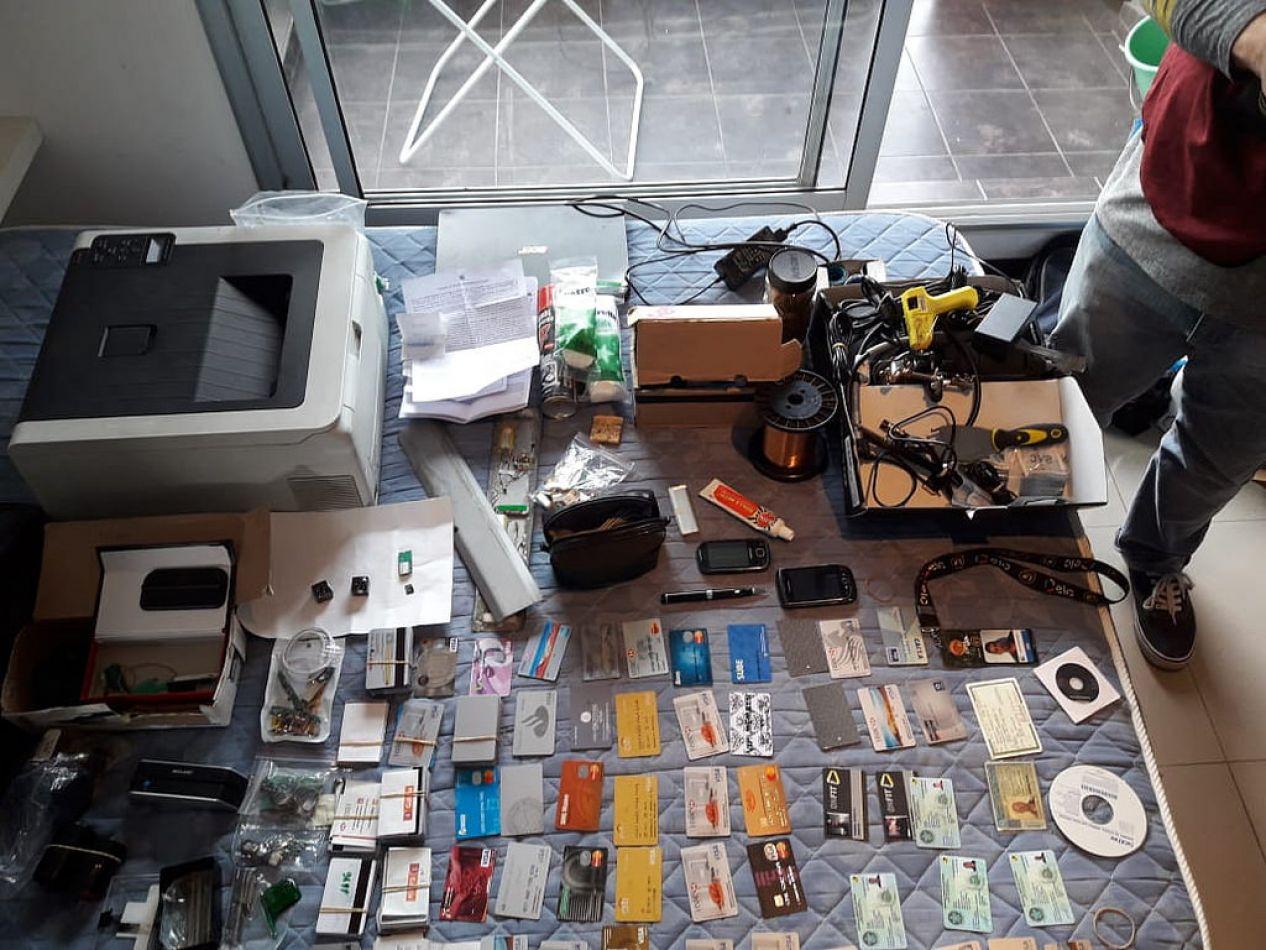 Golpe final a la banda de brasileños falsificadores de tarjetas