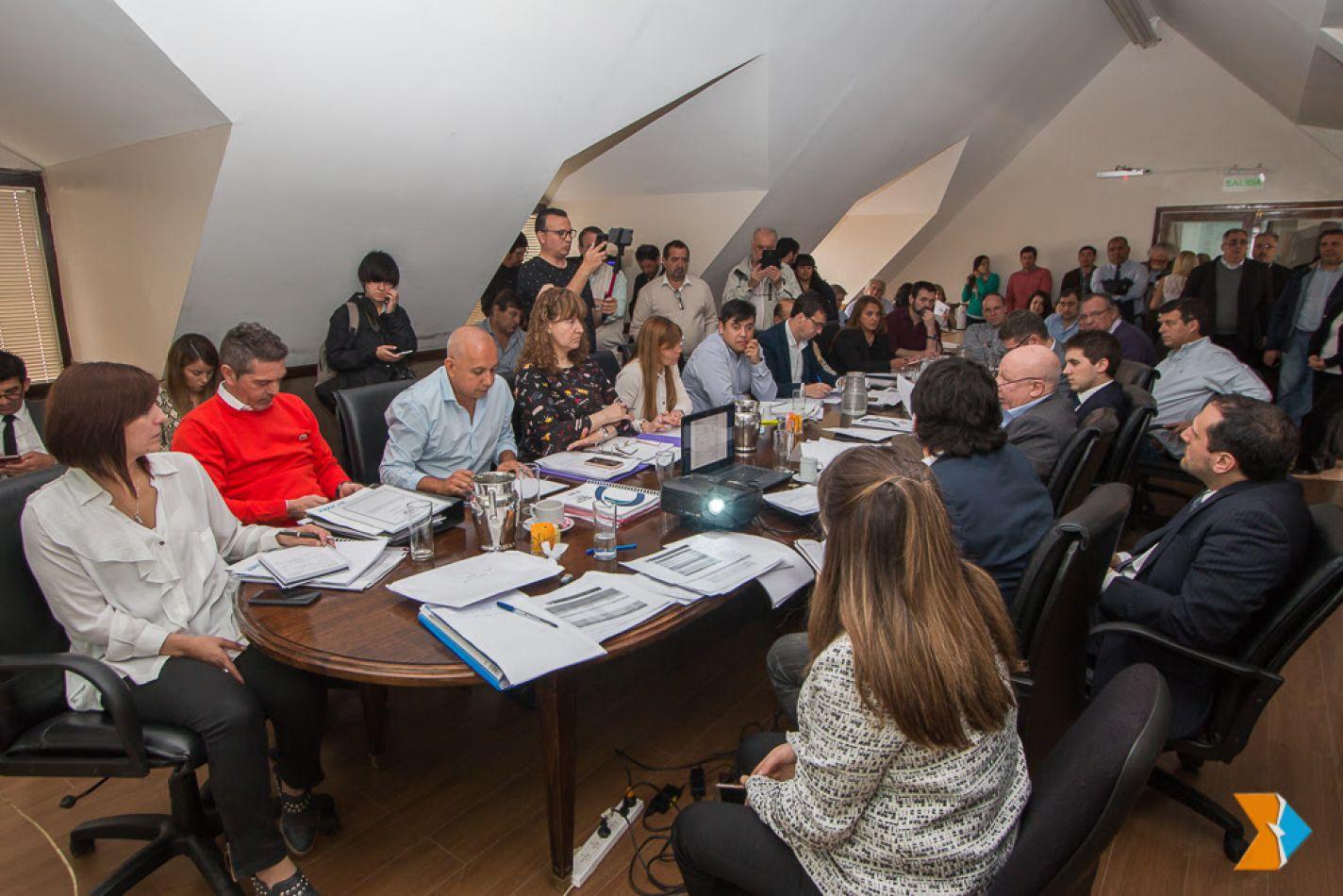 Parlamentarios iniciaron el análisis del Presupuesto 2019
