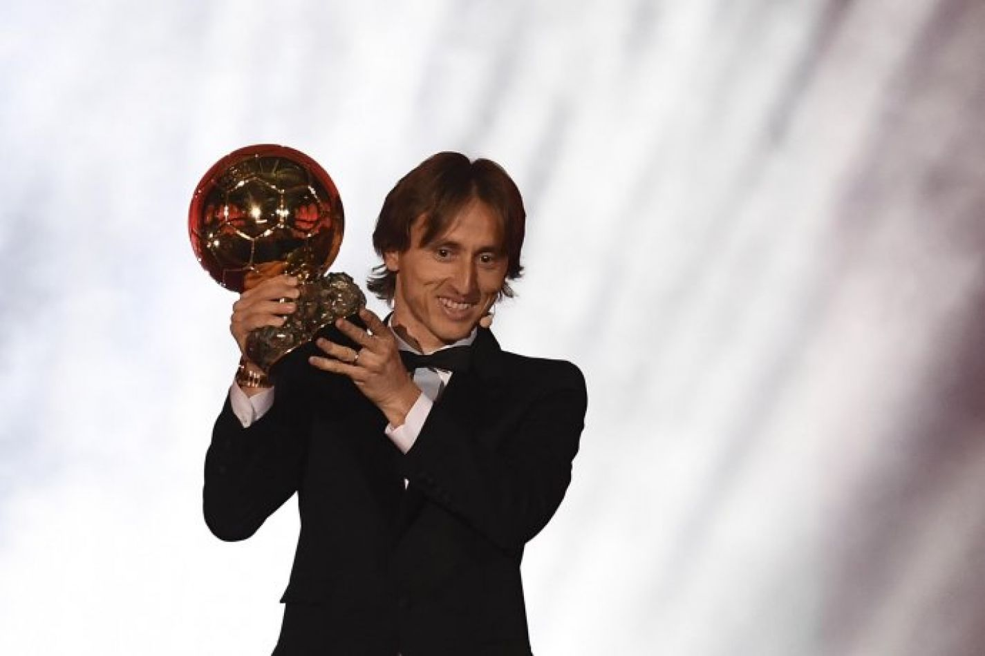 Luka Modric cortó una hegemonía de diez años entre Lionel Messi y Cristiano Ronaldo con el Balón de Oro.