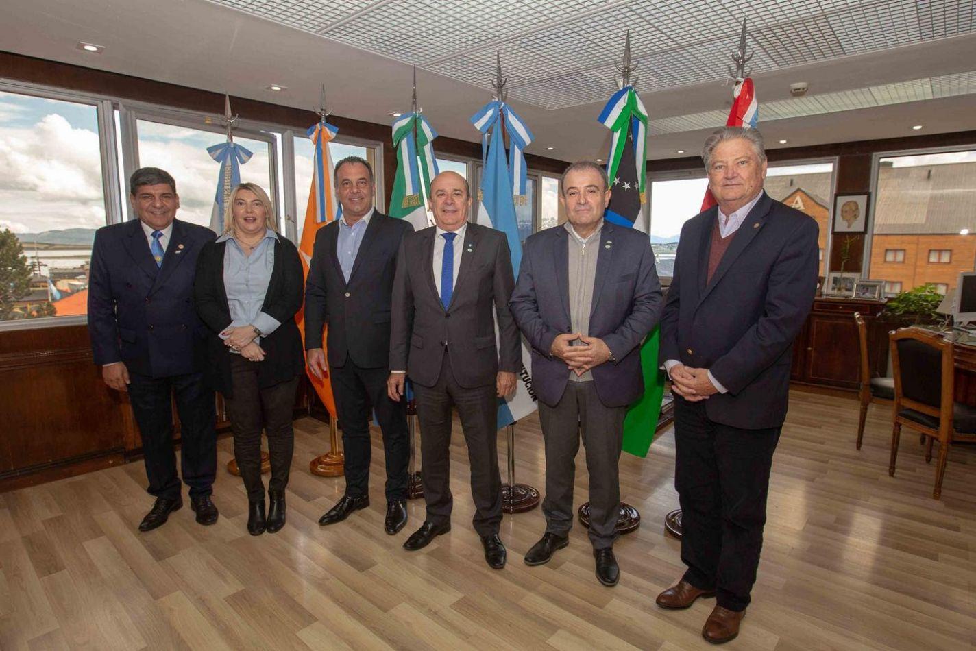 Reunión de vicegobernadores con la gobernadora Rosana Brtone y el vice gobernador Juan Carlos Arcando
