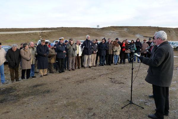 El acto convocó a ex trabajadores petroleros, funcionarios y autoridades empresariales.