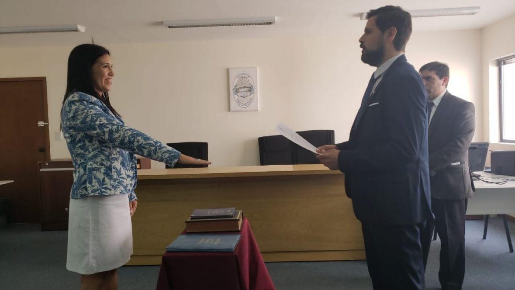 Juez de Primera Instancia del Trabajo Nº 2 del Distrito Judicial Norte, Doctor Hugo Fernando Cayzac, tomó juramento,a la Doctora Evelyn Andrea Sotelo