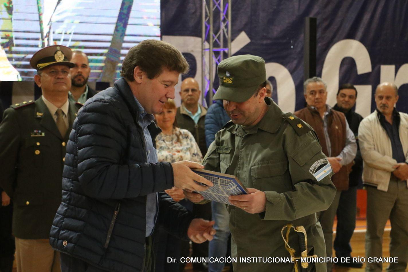 Ceremonia de Cambio de Jefatura del Escuadrón '62' de la Gendarmería Nacional, Río Grande.