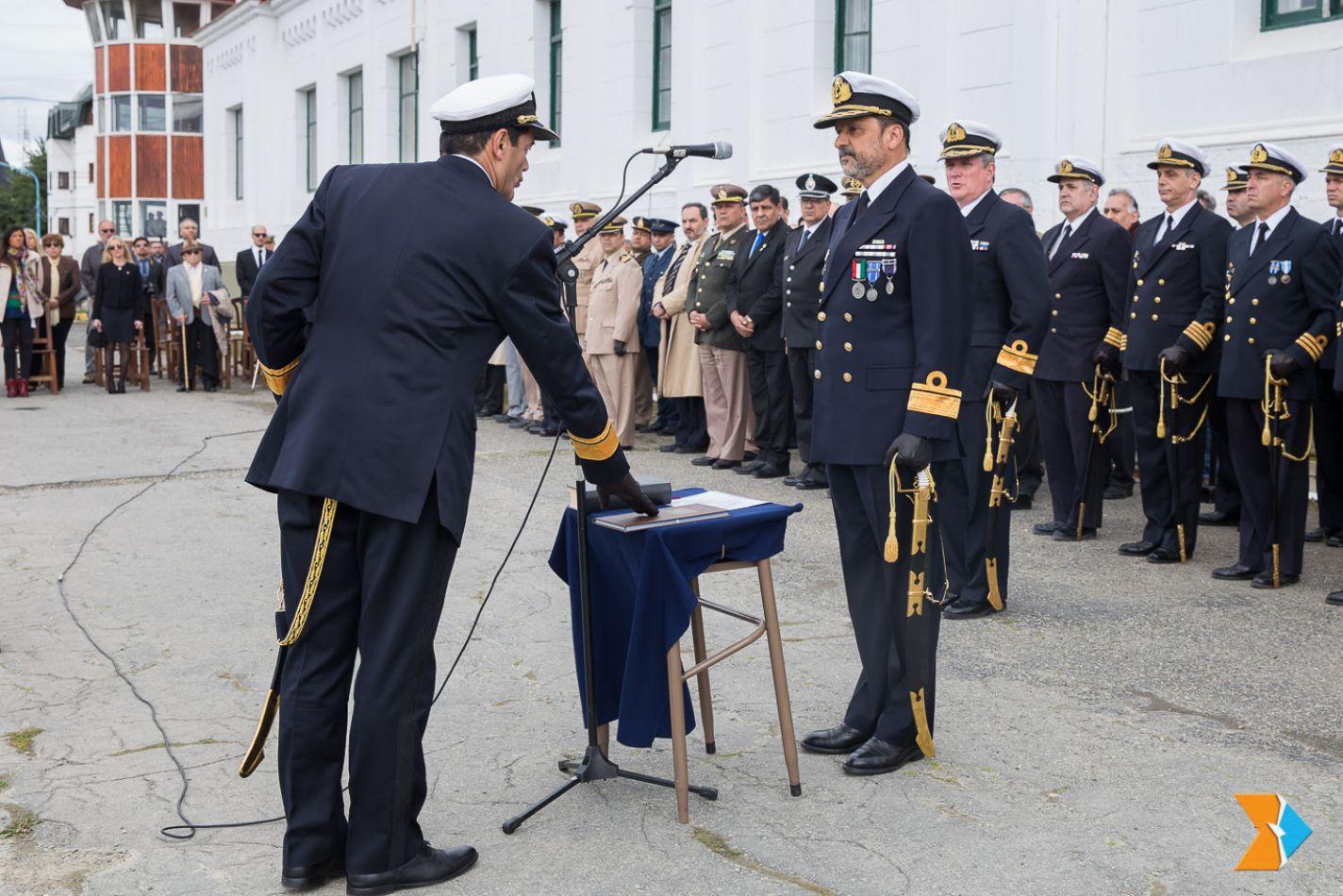 El contraalmirante Eduardo Antonio Traina asumió, al frente del Comando del Área Naval Austral