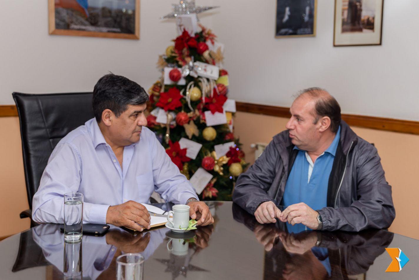 Marcelo González, presidente de la Liga Ushuaiense de Fútbol –filial AFA-  visitó al presidente de la Legislatura, Juan Carlos Arcando