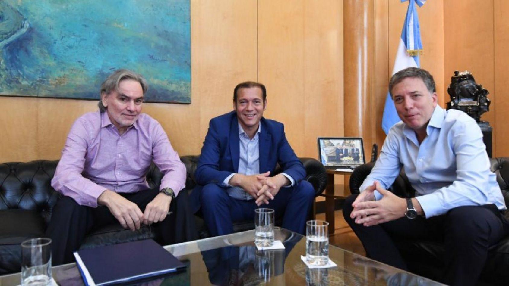 Reunión con el presidente Mauricio Macri y gobernador neuquino, Omar Gutiérrez,