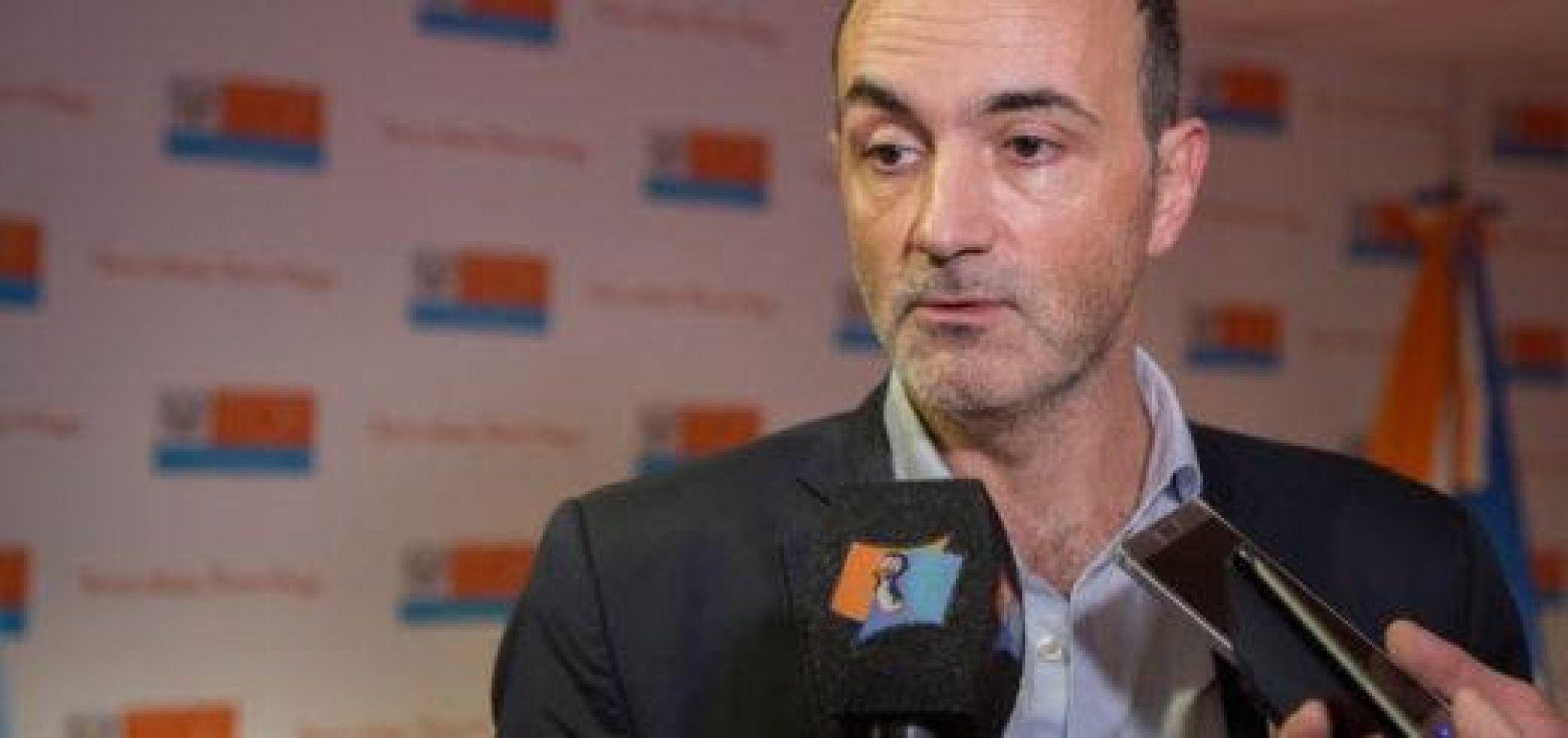 Ministro de industria Ramiro Caballero