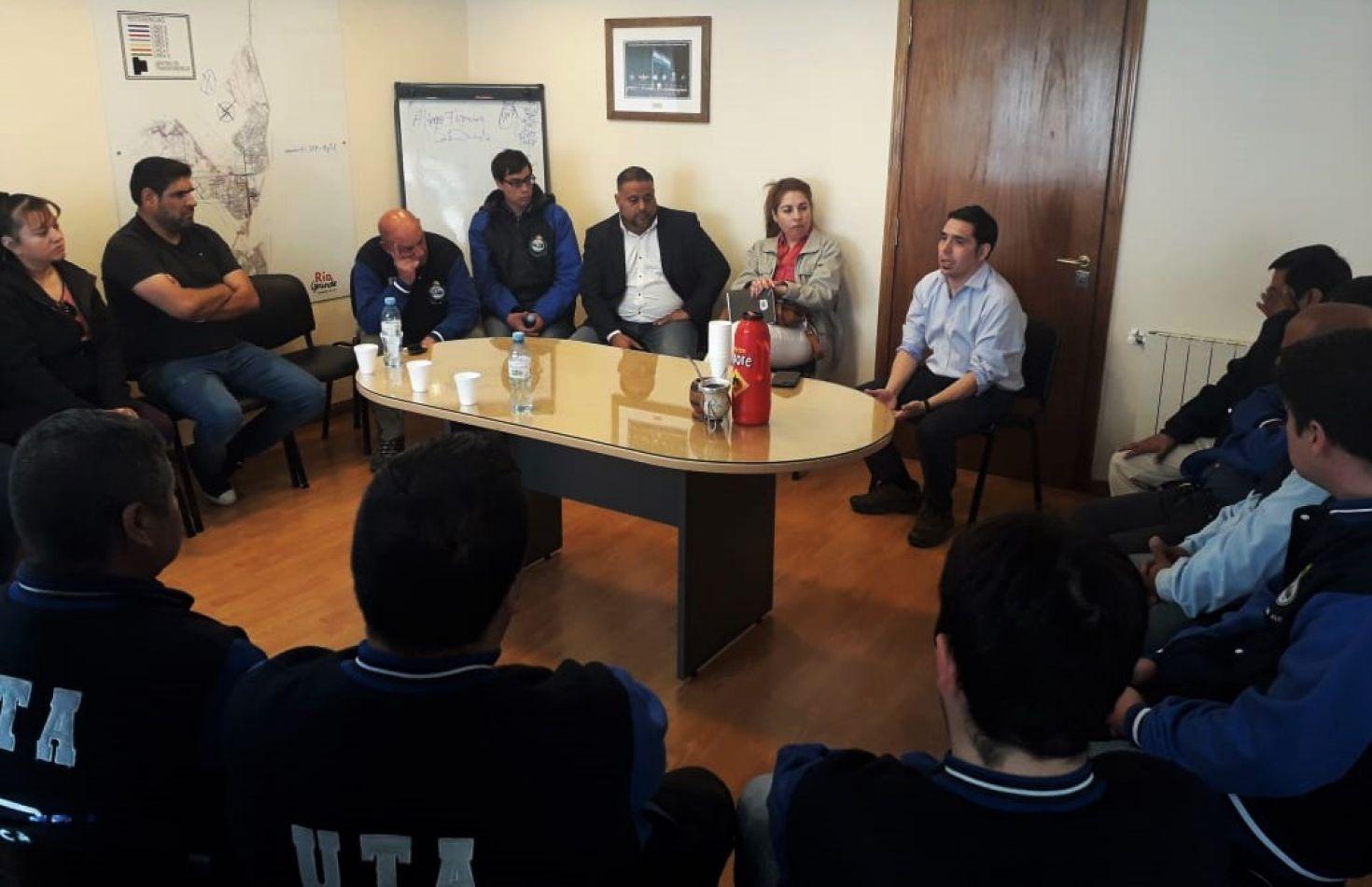 El encuentro fue presidido por el secretario de Participación y Gestión Ciudadana, Dr. Federico Runín