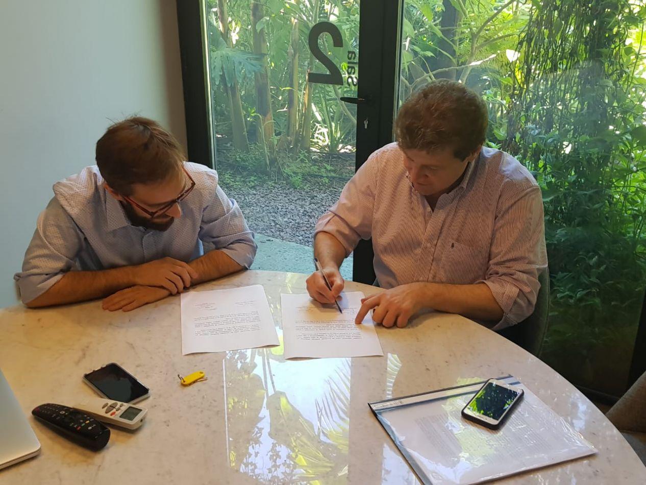 El Intendente Prof. Gustavo Melella firmó convenio con la (ASEA)