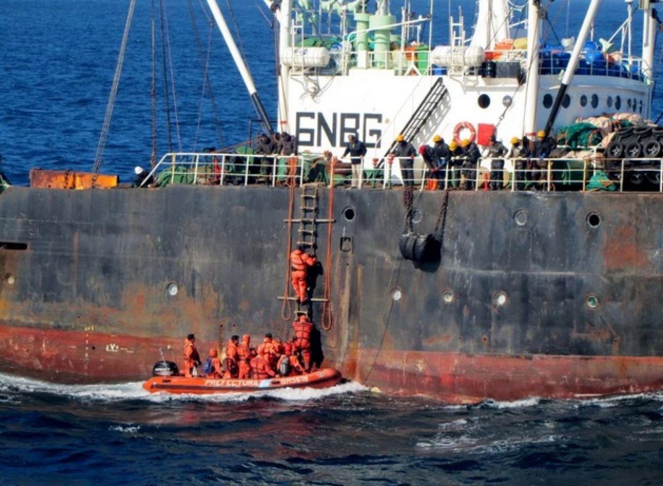 Pesca ilegal en el Mar Argentino